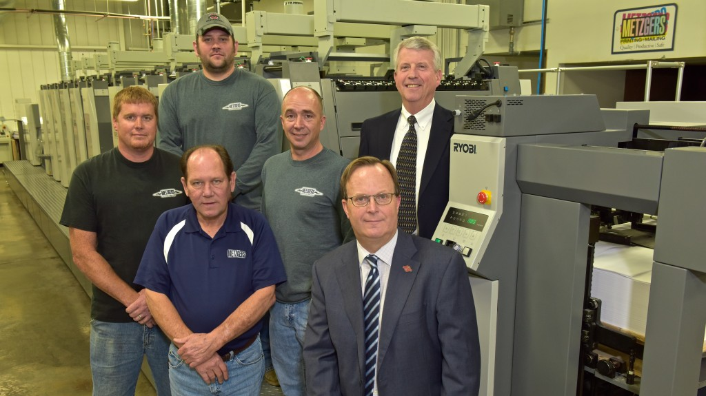 Front: Glenn Whaley, Operations Mgr.; Chris Manley, President of Graphco; Back: Dustin Kitchen and Mike Piasecki, Lead Pressmen; Rich Nadon, Production Mgr.; Tom Metzger, CEO of Metzgers